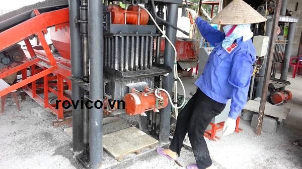 Một dây chuyền sản xuất sản xuất gạch không nung trung quốc